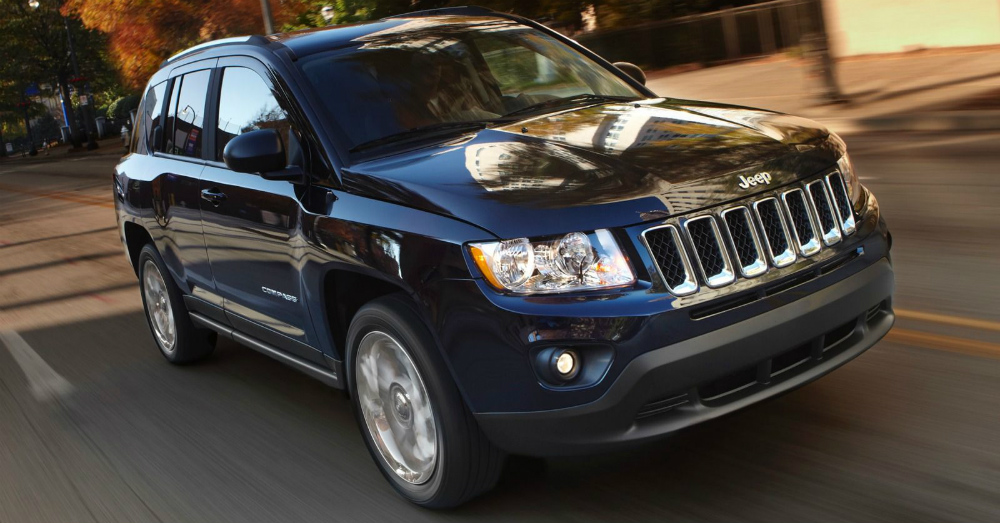 2015 Jeep Compass Driving